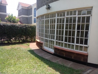 Luxurious Villa Garden City Thika Road
